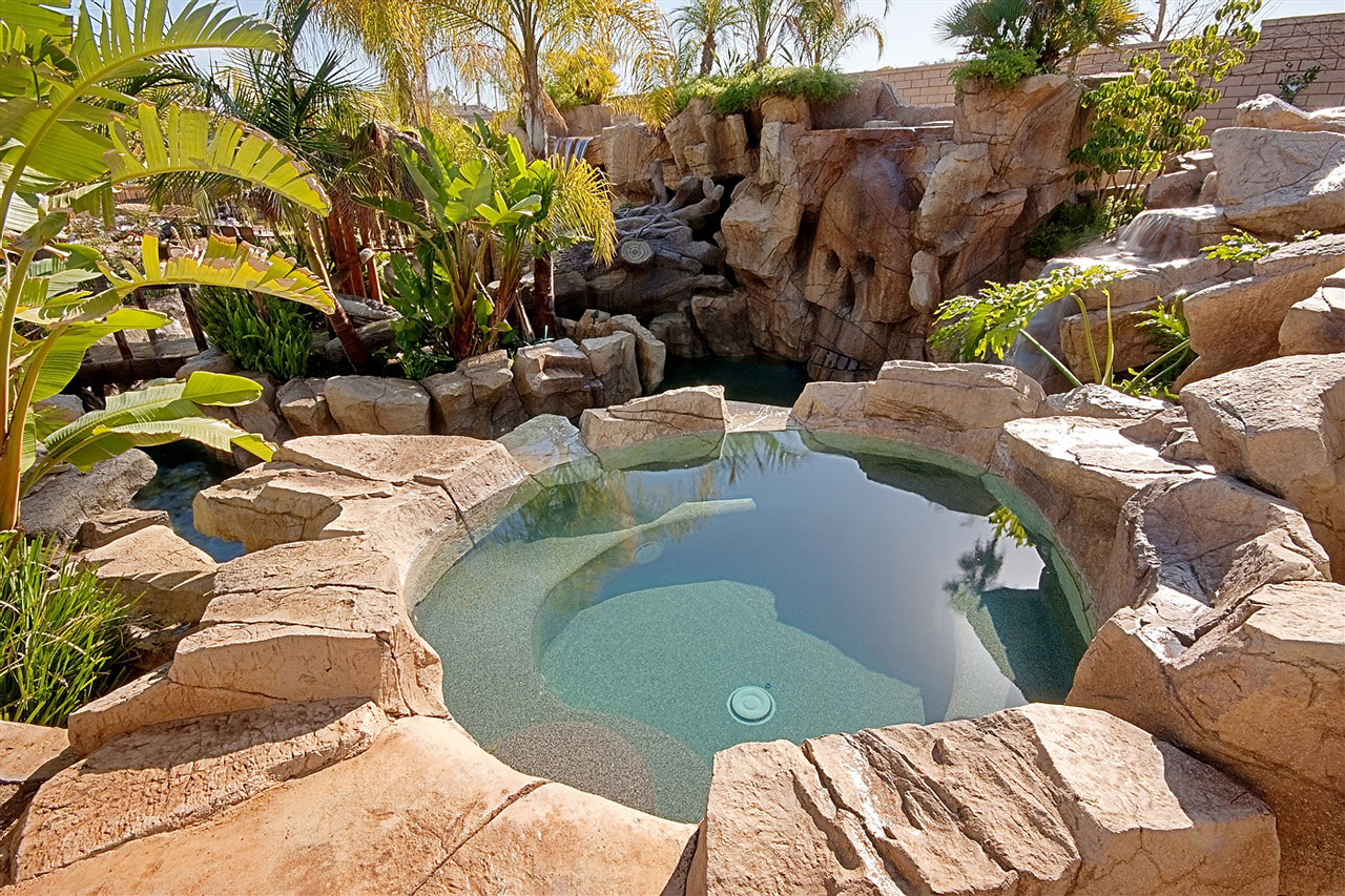 Time To Repaint My Artifical Rock Pool Rock Of Ages Landscape Pools